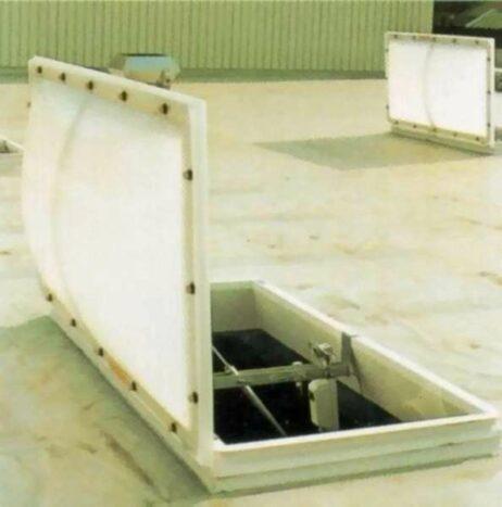 Lichtquellen werden in Gebäuden auch als Lebensretter in der Funktion als Rauch- und Wärmeabzugsanlagen (RWA) genutzt.